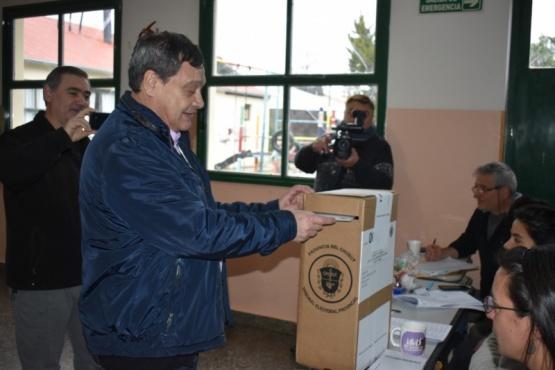 Emitió su voto el intendente Raúl Ibarra