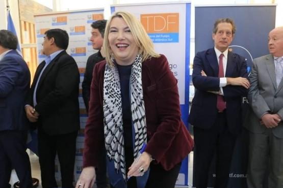 Bertone firmó un convenio para saldar la deuda histórica con la Caja de Previsión