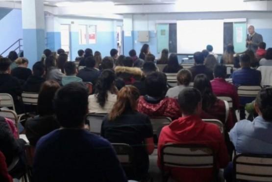 Realizaron taller sobre violencia escolar en el Colegio Secundario 16