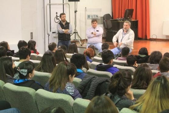 UTN a Puertas Abiertas ya recibió a más de doscientos estudiantes secundarios.