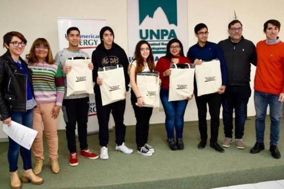 Estudiantes de Chubut y Santa Cruz se suman a la Comunidad de Becarios PAE