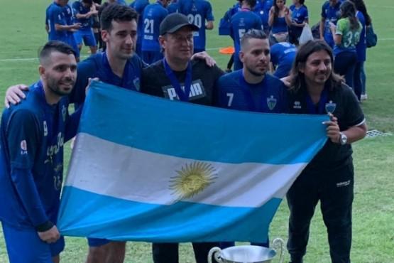 Un santacruceño campeón de la Liga Nacional de Fútbol de Puerto Rico