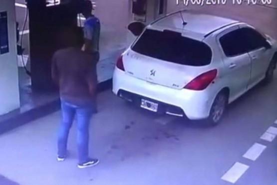 Cargaba gas y estalló el tanque con cocaína oculta