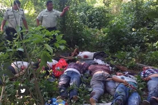18 muertos en un accidente de ómnibus y sus familiares denuncian que saquearon los cadáveres