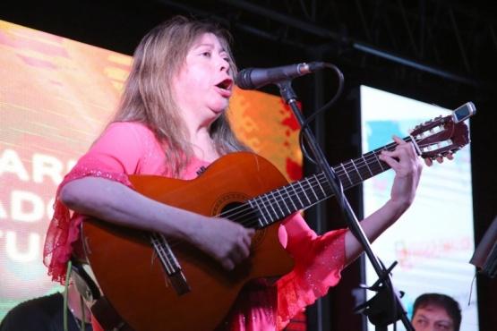 Marcela Miranda cerró la quinta jornada de Feria del Libro