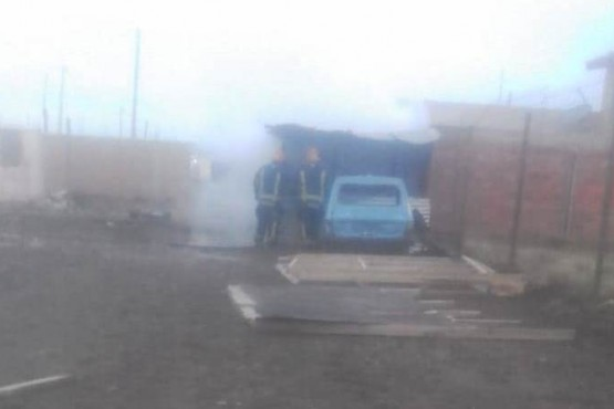 Un cortocircuito provocó un incendio que destruyó un obrador
