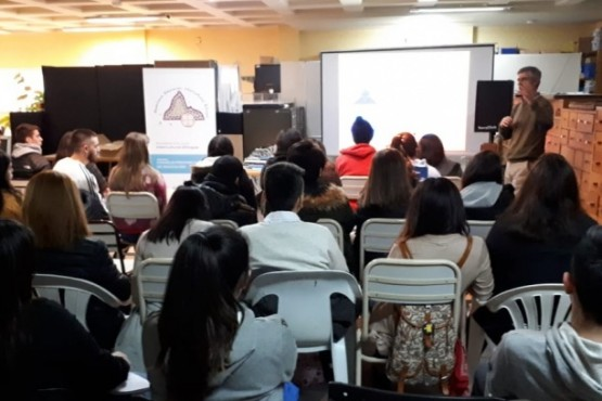 Alumnos participaron de charla sobre Pueblos Originarios