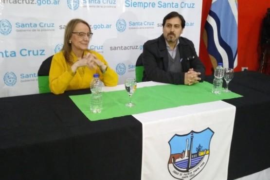 Obras y convenios para Puerto Santa Cruz