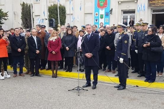 """Arcioni: """"Nuestra bandera es el símbolo de unión de todos los argentinos"""
