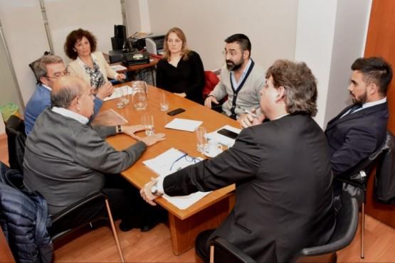 Defensoría del Pueblo propicia diálogo para resolver conflicto