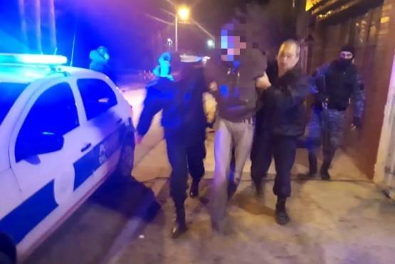 Detienen a dos hombres por el ataque que sufrió un policía