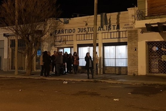 Graves incidentes en la sede del PJ en Rawson