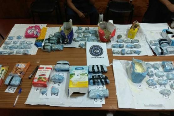 La PSA detuvo a tres personas por una encomienda con más de 4,5 kilos de marihuana