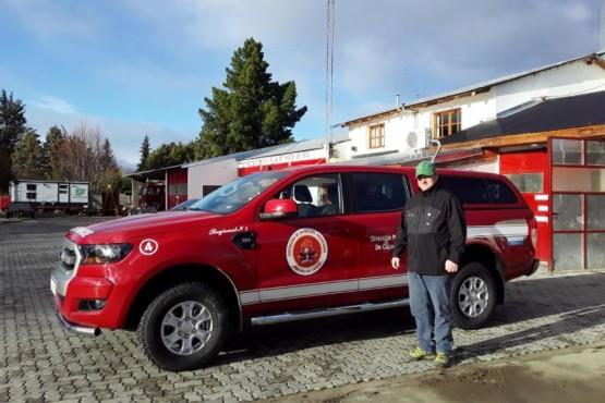 Entregan camioneta para cuartel de bomberos