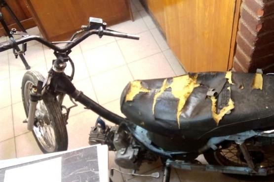 Un hombre en estado grave tras ser atropellado por una moto