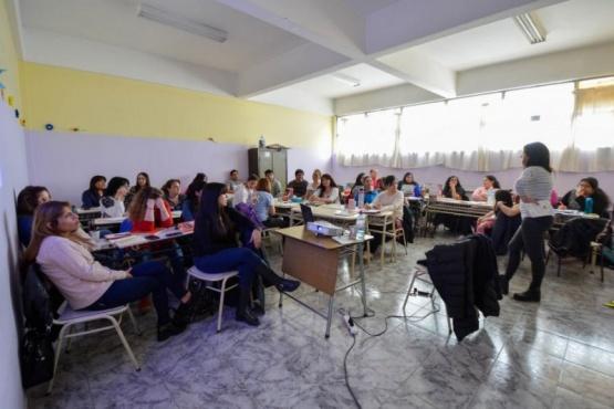 Inscripciones para capacitación docente en Vóley Escolar y Matemática