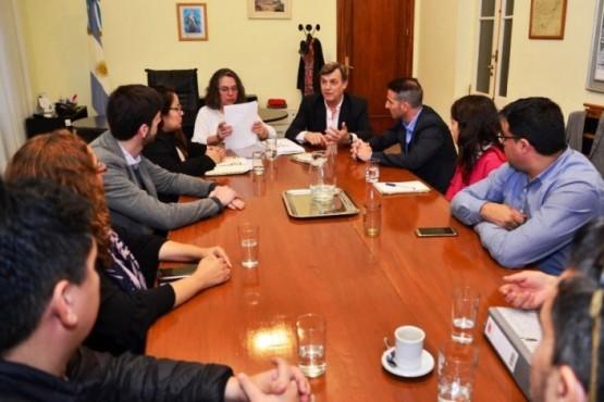 Saunders se reunió con autoridades del Instituto Nacional de Asuntos Indígenas