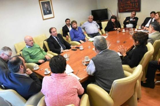 Garzonio y Tarrío explican a diputados sobre reformulación de la deuda