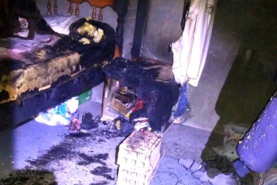 El colchón se prendió fuego con una estufa casera: tres personas con graves heridas y quemaduras