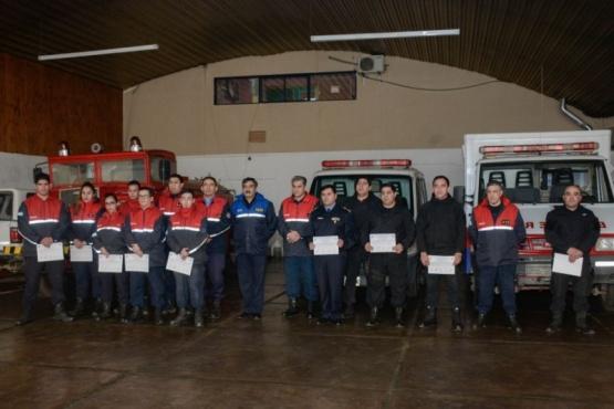 Se concretó entrega de certificados a bomberos