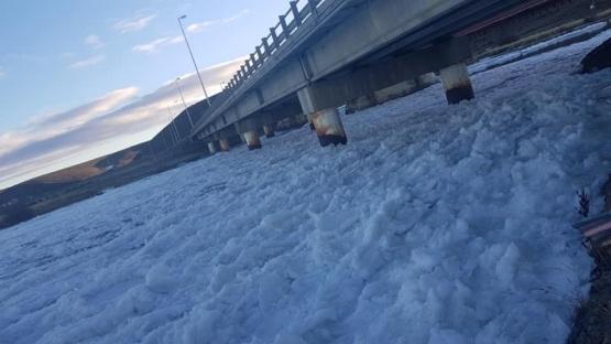 El río congelado, capturado por Marcos Sovrano.