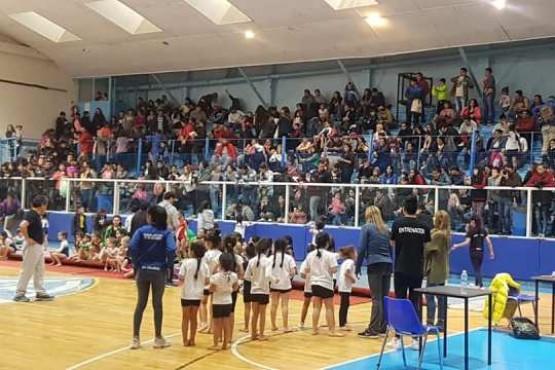 Las gimnastas se lucieron en el Torneo de Invierno