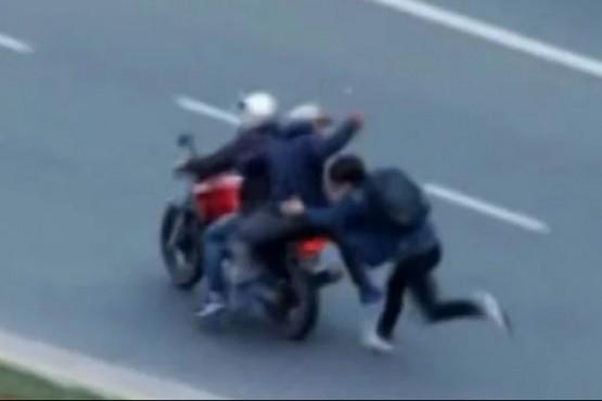 Detuvieron a 8 niños y adolescentes por querer robar una moto en manada