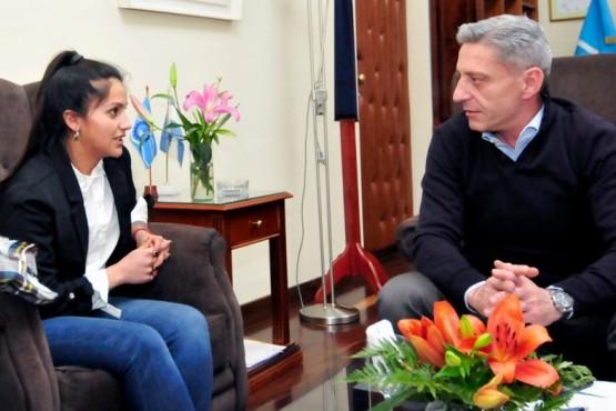 Arcioni recibió a la Jefa Comunal electa de Lago Blanco