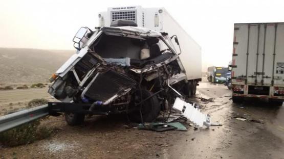 Dos camiones colisionaron en la ruta de Zona Norte