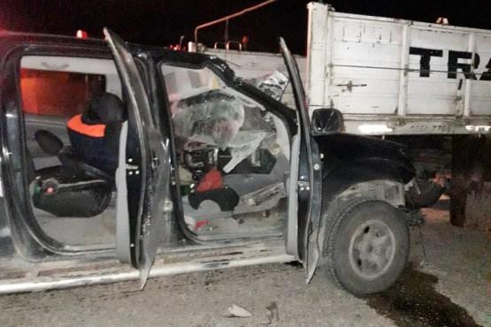 Una camioneta terminó debajo de un camión en la Ruta 3