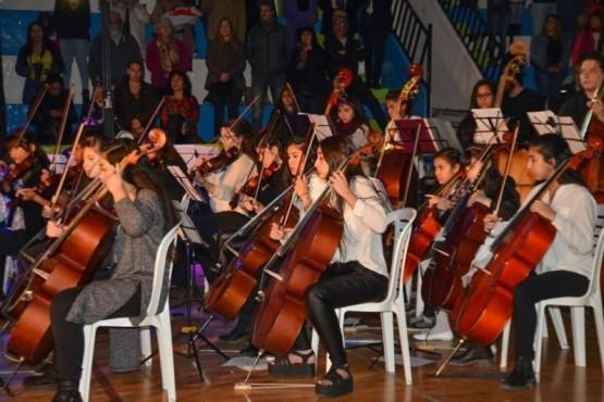 """Concierto """"Noche Argentina"""" en el Gimnasio Municipal N°1"""