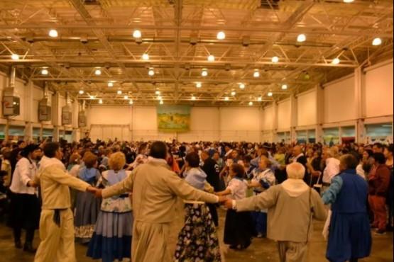 """Buscan a más de 200 personas para bailar el """"Pericón Nacional"""""""