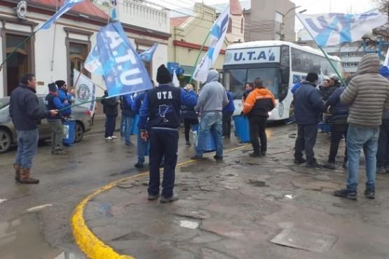 La UTA en Av. San Martín (C,R)