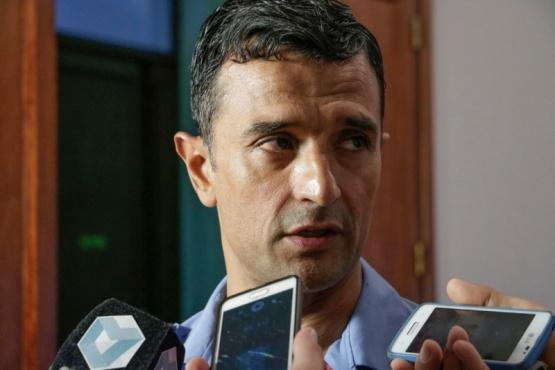 Gómez calificó de 'histórica' la participación de Massoni