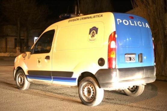Buscan a dos sujetos armados que asaltaron un kiosco y se llevaron $1500