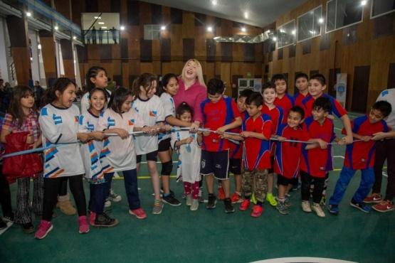 Bertone inauguró el gimnasio de la Escuela Nº 31