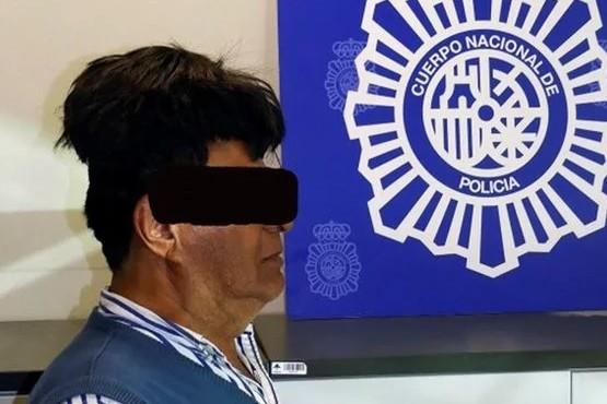 """""""Operación peluquín"""": lo atraparon con medio kilo de cocaína debajo de una peluca"""