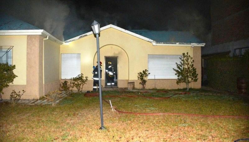 El incendio ocurrió en horas de la madrugada del lunes.