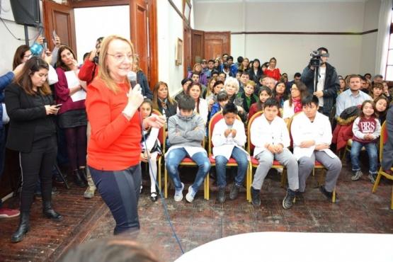 El acto se realizó en la sala Gregores de Casa de Gobierno. (C.R.).