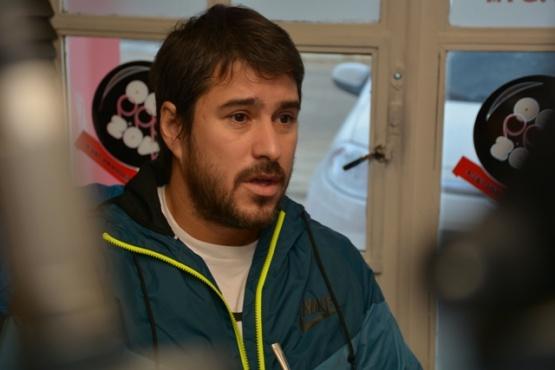 Leonardo Roquel en los estudios de Tiempo FM (Foto C.Robledo)