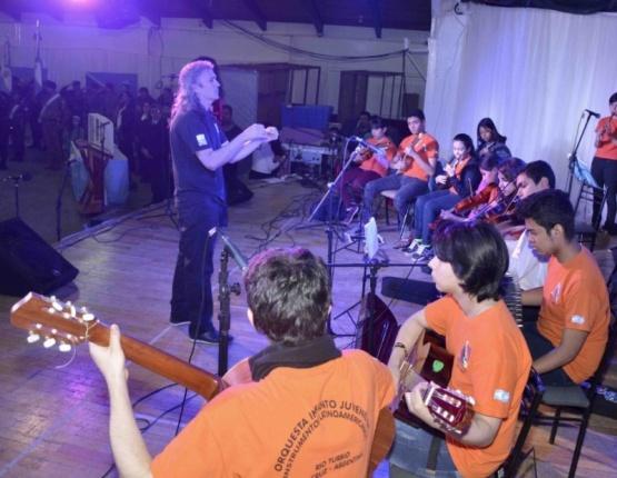 La Orquesta Pu Kara pisa fuerte en Río Turbio