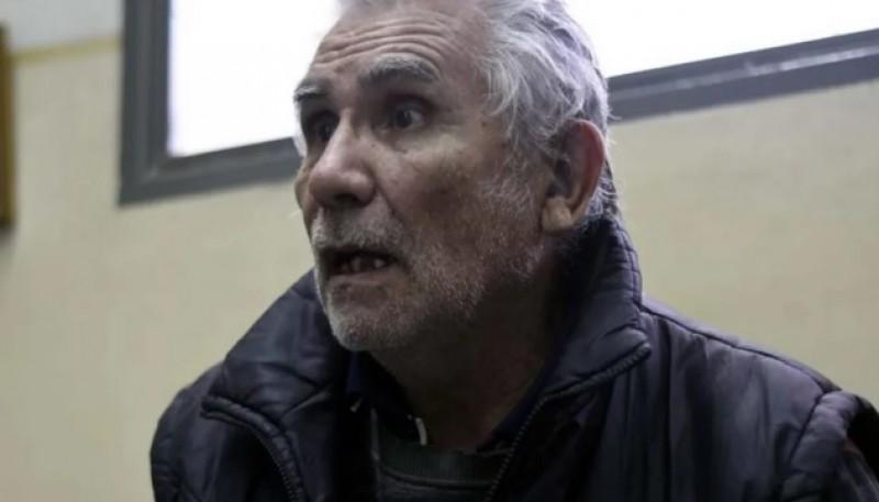 Jubilado comodorense amenazó con iniciar huelga de hambre y encadenarse en el banco. Foto: Diario Crónica