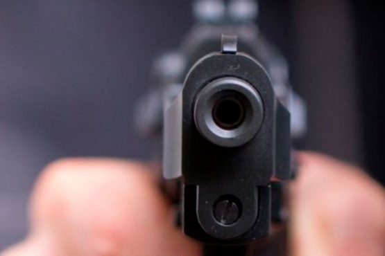 A un hombre le efectuaron ocho disparos con un arma de guerra pero no quiso denunciar