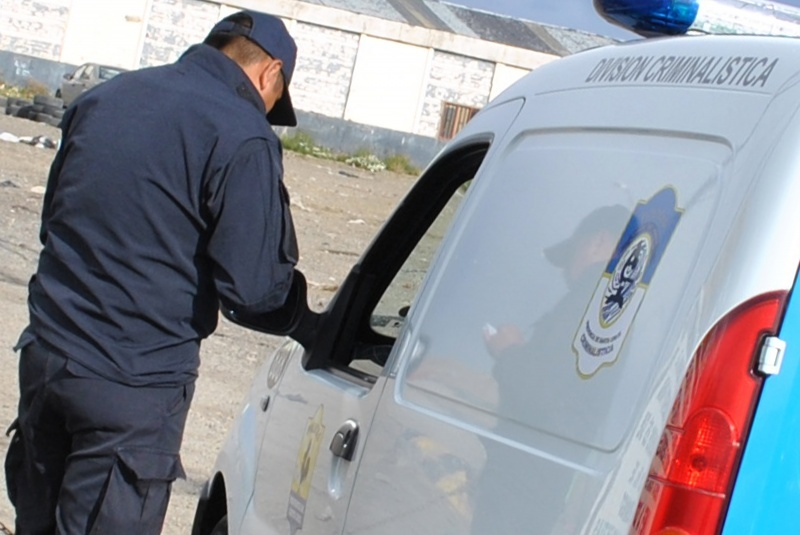 El personal de Criminalística colabora con sus pares de la Seccional Tercera.