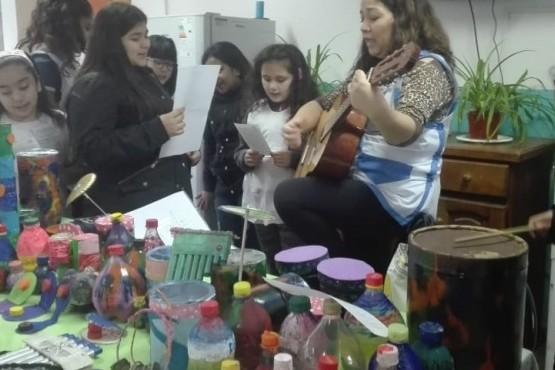 """""""Descubriendo SONI2"""": Te invita a crear instrumentos musicales con material reciclable"""