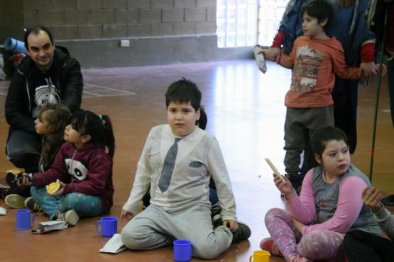 Los niños disfrutaron de un acantonamiento en el cierre del primer contingente