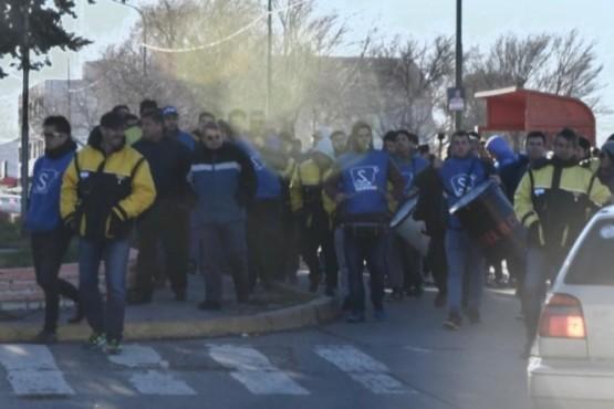 Martes complicado: los estatales se movilizan a Casa de Gobierno