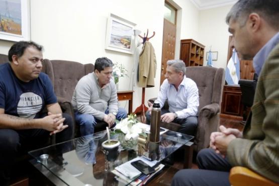 Arcioni recibió al Secretario General de la UOCRA