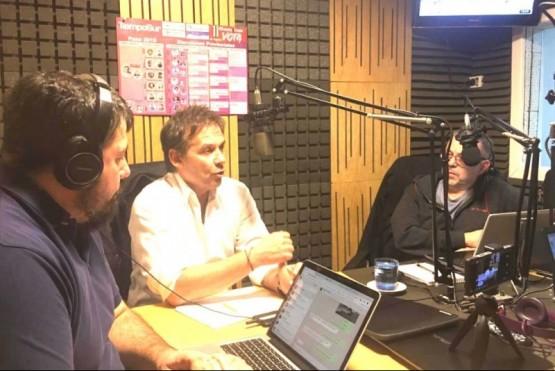 Eduardo Costa ayer en el estudio de Tiempo FM.