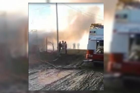Una mujer y dos menores hospitalizados tras incendio en el Madres a la Lucha